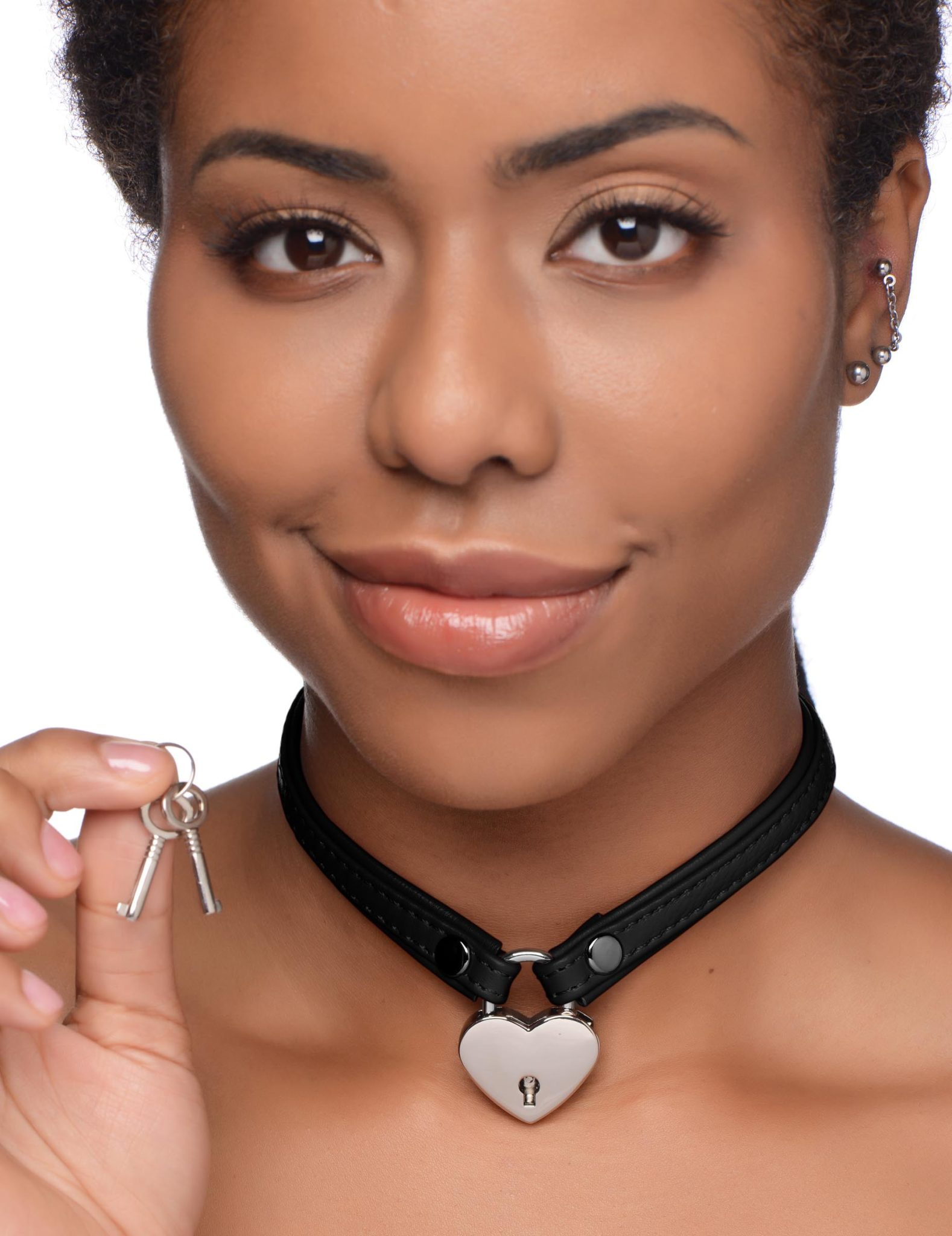 Heart Lock Leather Choker with Lock and Key – Black